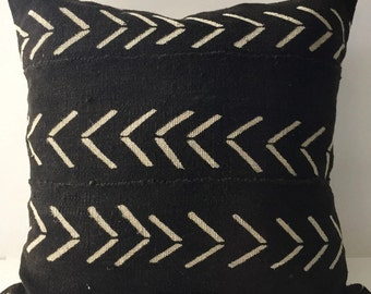 African Mudcloth Pillow Cover, Ethnic, Handwoven, Black and Tan, Lumbar