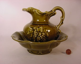 Vintage Old Collectible * Mc Coy * Miniature Antique Wash Bowl & Pitcher * Olive Green