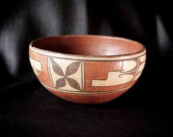 Antique Native American Zia Pottery Stew Bowl 1920