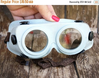 SALE Vintage Soviet Protective Glasses,Steampunk Goggles,  Vintage Safety Glasses,protective mask welding goggles, Soviet Industrial Goggles