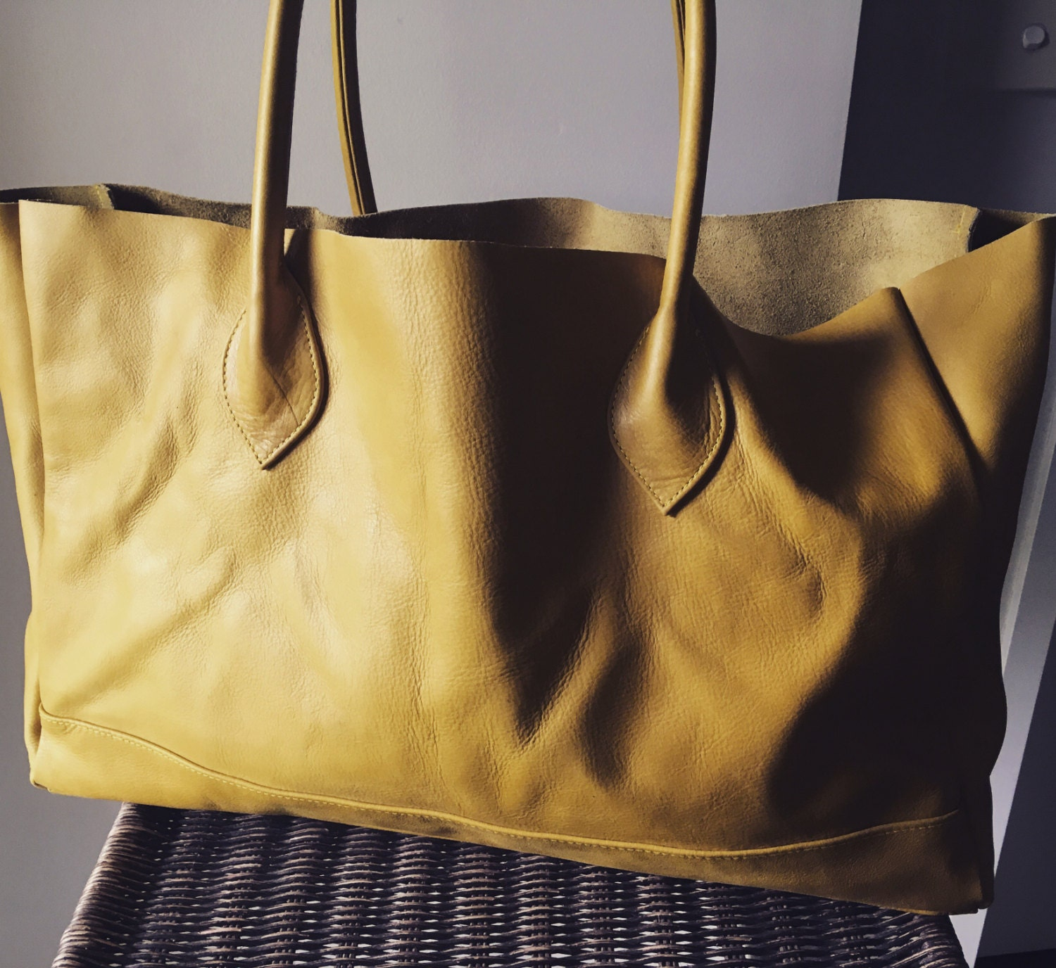 Long leather shoulder tote bag. Classy and classic shoulder ...