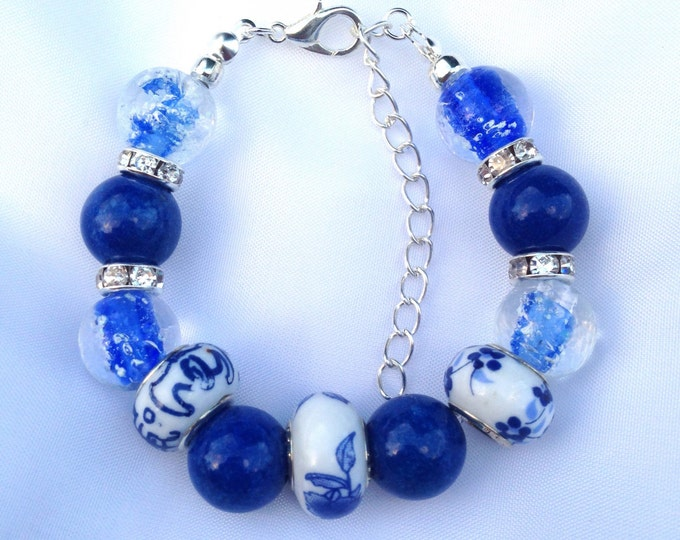 Blue Agate and Glass Beaded Bracelet, agate and glass bracelet, beaded agate and glass bracelet, agate bracelet, beaded agate
