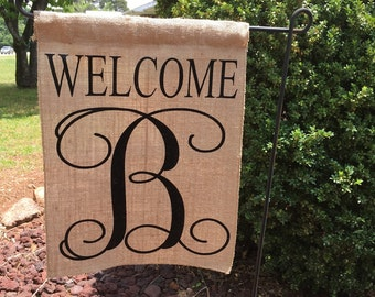 Welcome Monogrammed Garden Flag / Personalized Garden Flag / Burlap Garden  Flag