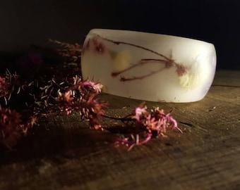 Wild flowers - Resin bracelet -  Real flowers Resin Bangle