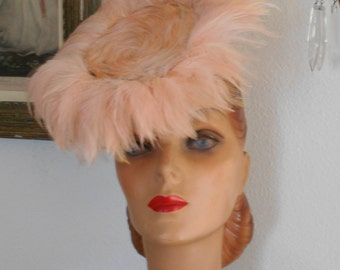 Awesome 1940's Tilt Hat with Pinky/Salmon Feathers