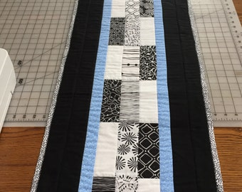 Black & White reversible Table runner