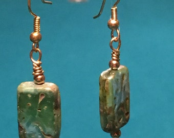 Green and gold earrings - 96