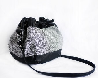 Bucket shoulder leather black jacquard bag black and white