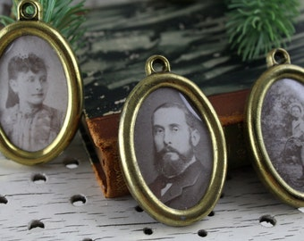 Antique 6 pieces Brass picture frame handmade in Italy Round picture frame with brass picture