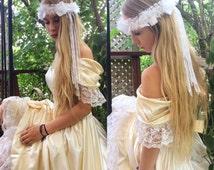 Bohemian bridal floral hair crown beach wedding tiera hippie hair jewelry tribal exotic head piece white flowers lace pearls bride headband