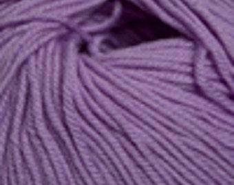 Free Shipping - Cascade Yarns 220 100% Superwash Wool - Light Iris (842)