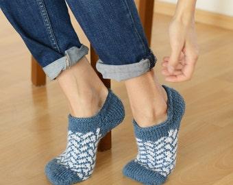 Short knitting socks