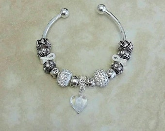 White Ribbon Glass Heart Czech Rhinestone Antique Charms Silver Plated Bangle 7.5 Inches