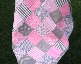 Personalized patchwork baby blanket, handmade baby girl blanket, patcheork blanket