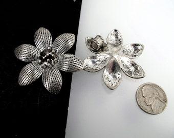 Antique silver flower pendant. Silver metal flower pendant. 50mm Large flower charms