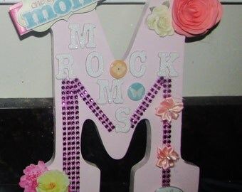 moms rock decor wall letter M