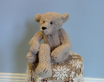 Mr. Everything bear by Linda Spiegel for Bearly There Co.