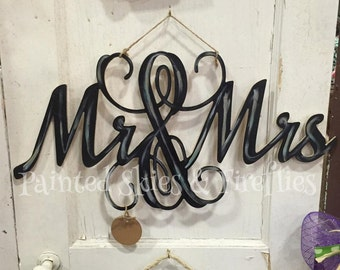 Mr. & Mrs. Wedding Door Hanger /  I do /  Wooden / Wedding / His and Hers House Warming Gift / Engagement / Photo Prop / Photography