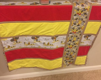 Classic Winnie the Poo baby quilt