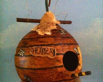 Honey Pot Birdhouse