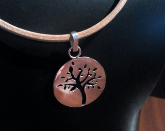 Pendant sterling silver with leather cord
