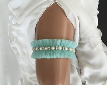 wedding garter, tulle bridal garter, pearl/rhinestone