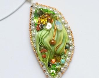 """shibori silk pendant """"Fukui"""""""