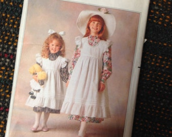 Holly Hobbie Sewing Pattern.  Girls Doll Dress & Pinafore.  Butterick #5077 Size 7, 8, 10