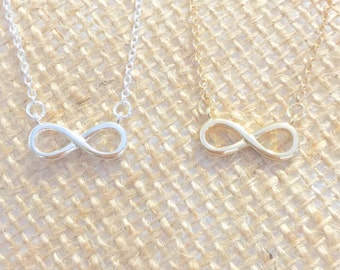 Infinity Necklace small, gold or silver, short dainty delicate infinity necklace