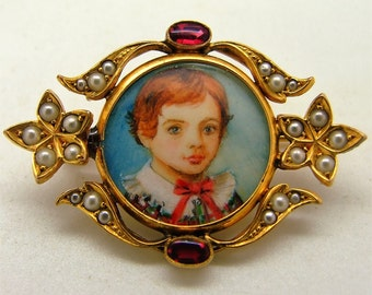 Charming Victorian  9ct 9k Yellow Gold Pearl set Portrait Brooch