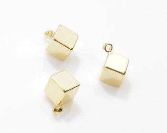 Tiny Cube Pendant . Cube Charm . Handmade Jewelry Supplies . 16K Polished Gold Plated over Brass - 4pcs / YO0015-PG