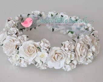 White Bridal Flower Crown, Maternity Flower Crown, Bridal Flower Crown, Bride Flower Headpiece, Bride hair accessories, White Floral Crown,