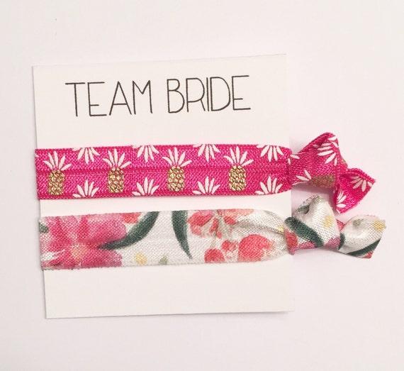 Bridesmaid hair tie favors//bridesmiad gift,party favor,hair tie favor,hair tie card,bachelorette party, bridesmaid favor