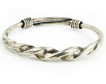 1 Handmade  Bracelet Can be Adjusted
