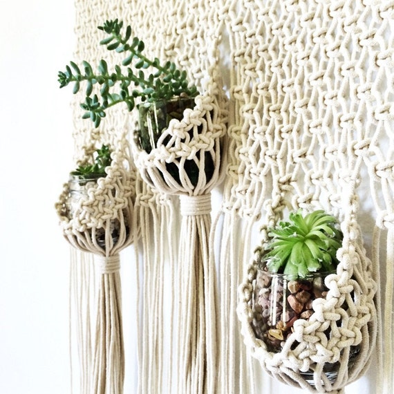 Macrame hanging planter triple pouch wall hanging modern - Suspension pot de fleur macrame ...