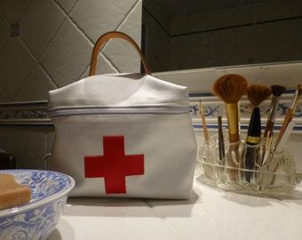 vanity, pharmacy, medicine, pharmacy kit, drug kit Kit