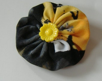 Fabric Yoyo Hair Clip, 2 Inch Hair Clip, Round Barrette, Yellow and Black Barrette, Repurposed Fabric, Barrette With Yellow Flower Bead