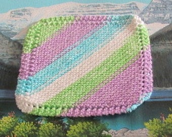 0425 Hand knit dish cloth 7 by 7