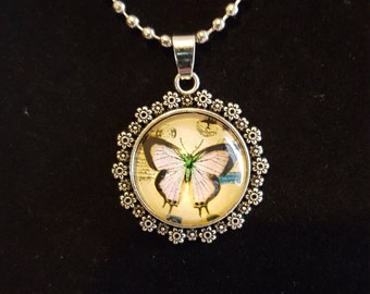 Butterfly necklace with  flower edge