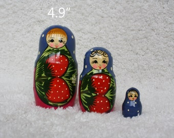 Strawberry Nesting Dolls Russian Matryoshka Babushka Vintage Doll