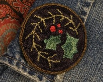 "PATTERN ""Holly Wear"" Punchneedle Embroidery Pin"
