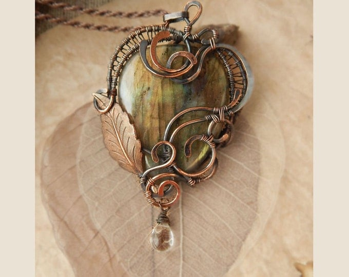 Green labradorite Pendant, Copper Wire winding, Fantasy style, Natural semi precious stone, Birthstone, Eco jewelry, Gift for her,