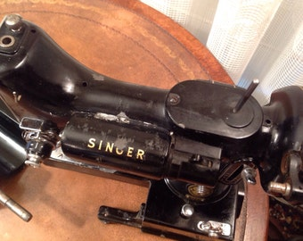 Singer 222K Sewing Machine and Cord and Control