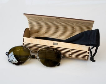 Laser Cut Wood Glasses Case / Living Hinge Design / Natural