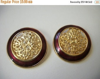 ON SALE Vintage Chunky Gold Red Filigree Round Earrings 533