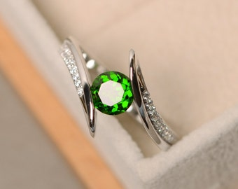 Diopside ring, chrome diopside, sterling silver, wedding ring, green gemstone ring