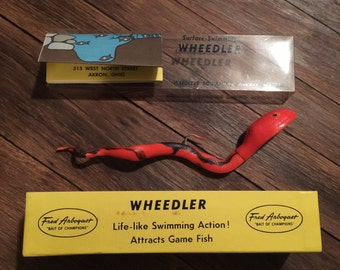 "MINT ! Very scarce 8"" Orange with black strips - Wheedler Lure, Fred Abrogast."