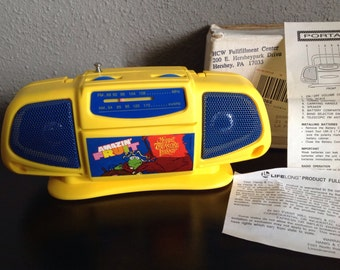 "Vintage Transistor Radio ""Amazin Fruit"" Promo Muppets Kermit 1996 Boom Box AM/FM"