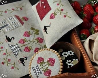 Strawberry Home / Primitive cross stitch pattern /PDF