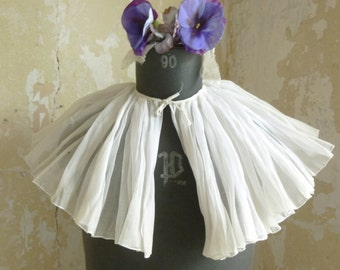 Lovely antique ruff, collar, Pierrot collar, stiff collar, 1900/1910....CHARMANT!
